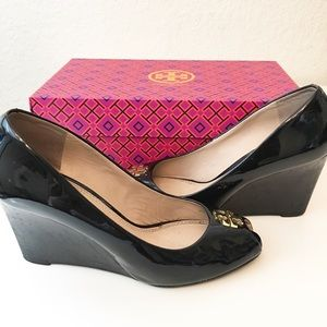 Tory Burch | Patent Peep Tor Wedge Black Pumps
